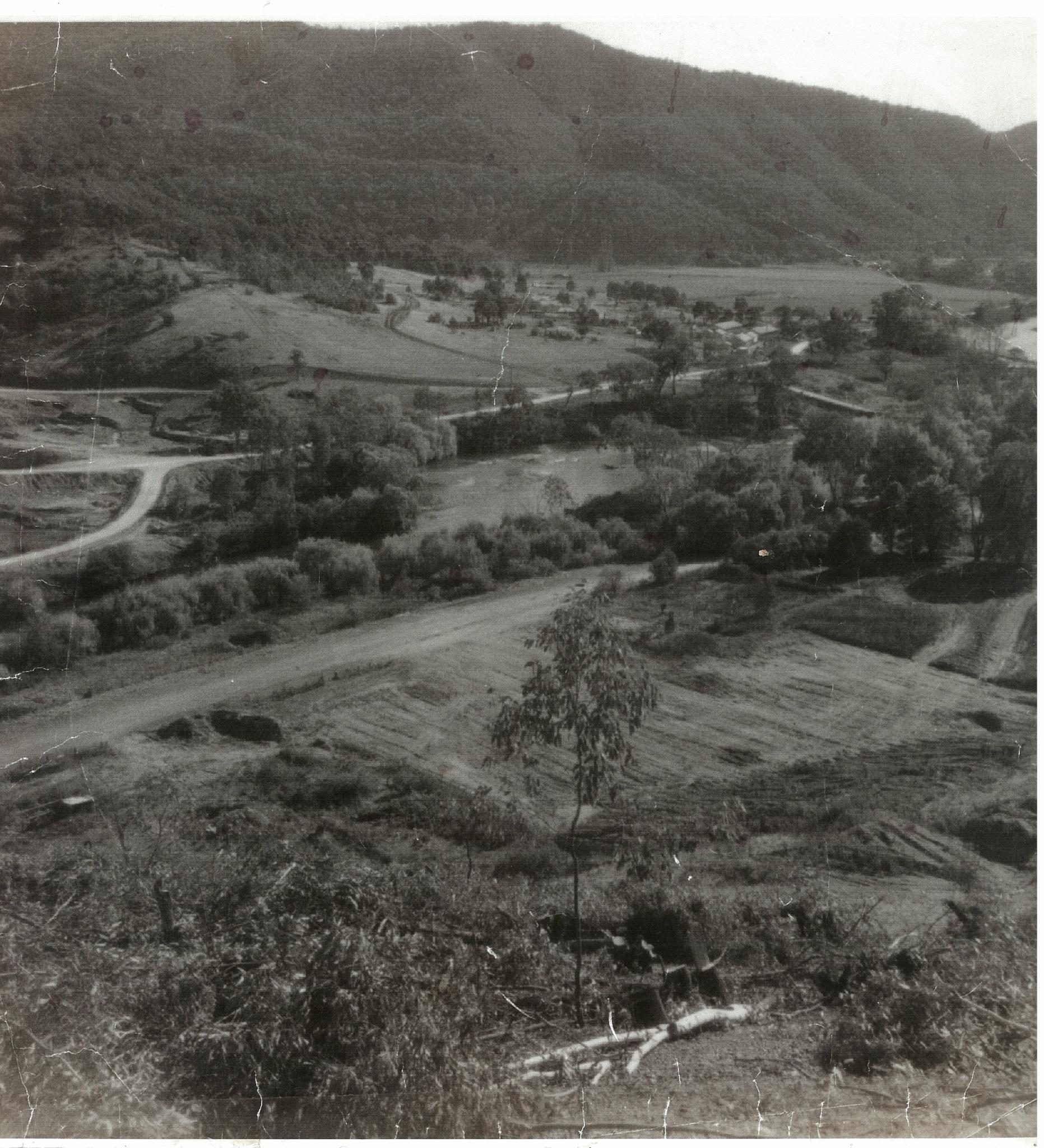 bradymarysflat-chrisnicholes-1964