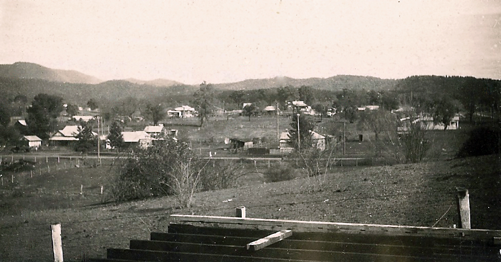 bonnor-Capper Street Tumut from Herbert St hill 1953